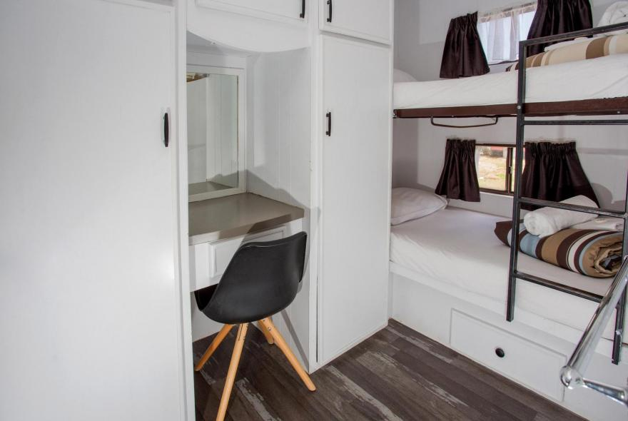 BIG4 Bendigo Park Lane - Budget Cabin - Bunks