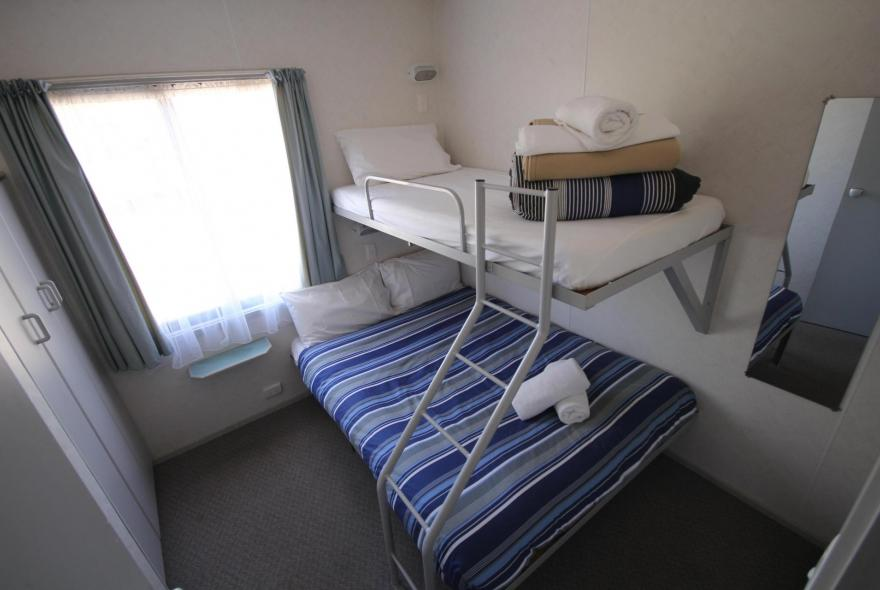 BIG4 Bendigo Park Lane - Standard Cabin - Sleeps 5 - Bedroom 2