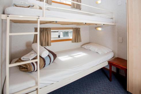 BIG4 Bendigo Park Lane Holiday Park - Family Cabin - Sleeps 7 - Bedroom 3