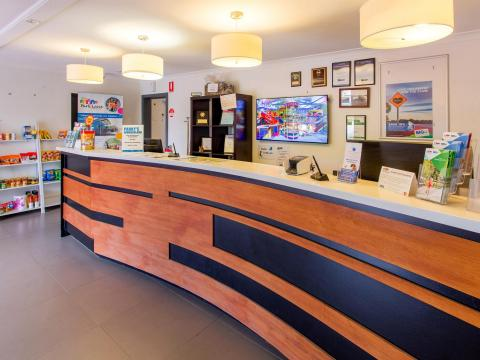 BIG4 Bendigo Park Lane Holiday Park - Reception and Kiosk