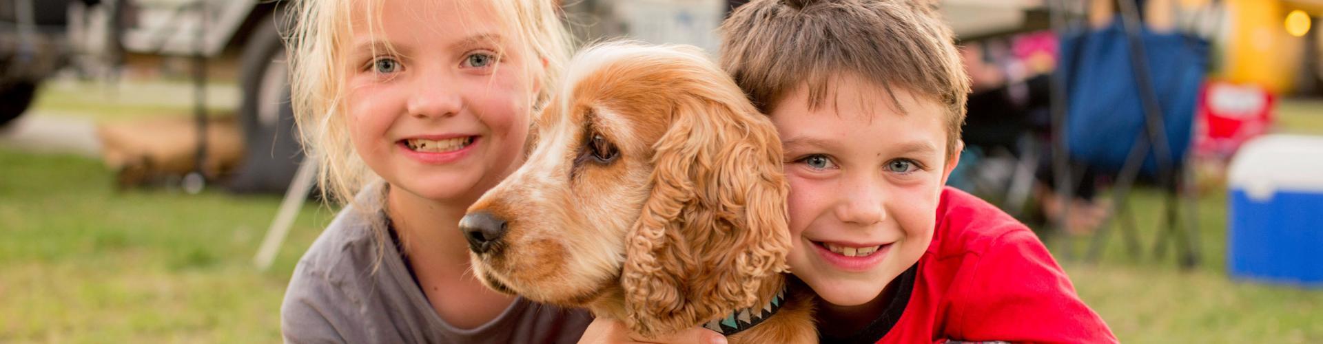 BIG4 Bendigo Park Lane Holiday Park - Children camping with pet
