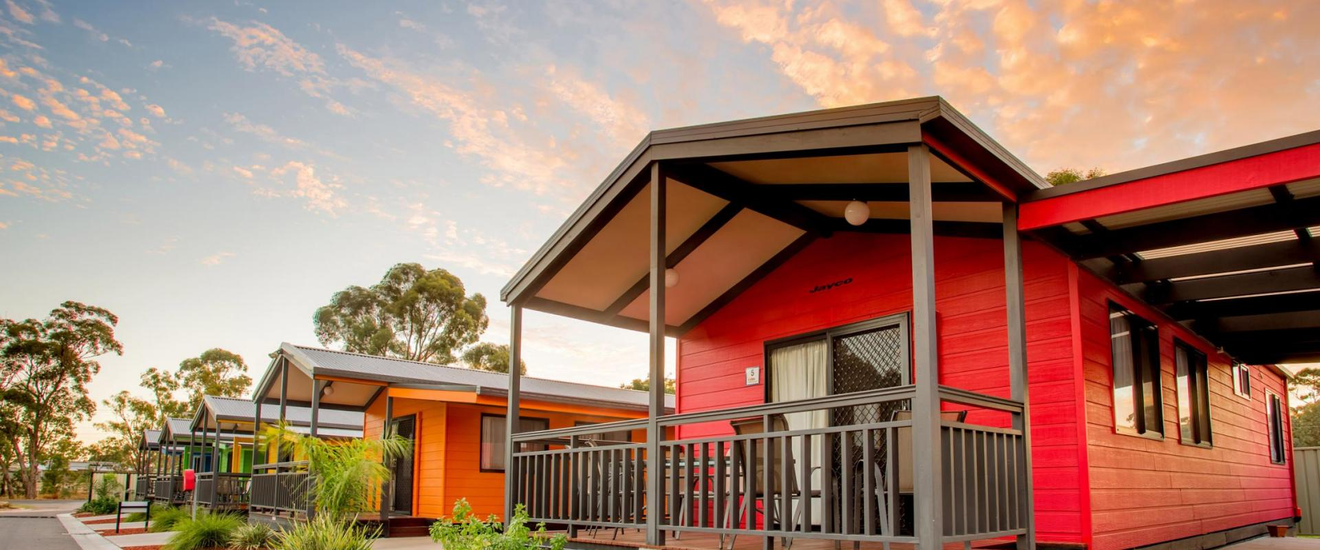 BIG4 Bendigo Park Lane Holiday Park - Parky's Wonderland - Colour Cabin Accommodation