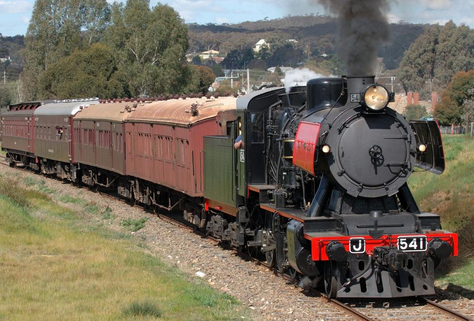 BIG4 Bendigo Park Lane Holiday Park - Things to do - Goldfields Railway