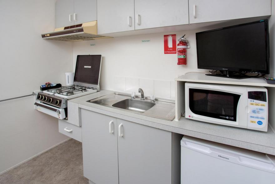 BIG4 Shepparton Park Lane Holiday Park - Budget Cabin - Sleeps 6 - Kitchen