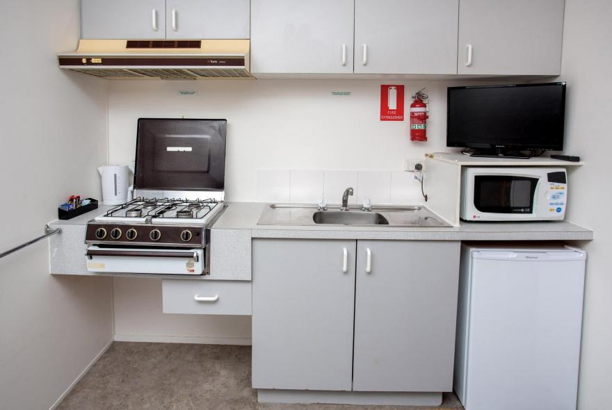 BIG4 Shepparton Park Lane Holiday Park - Budget Cabin - Sleeps 4 - Kitchen