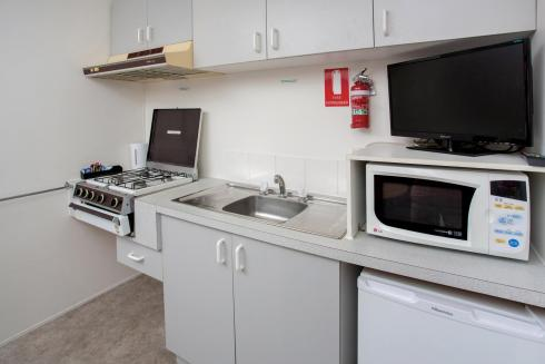 BIG4 Shepparton Park Lane Holiday Park - Budget Cabin - Sleeps 6 - Kitchen