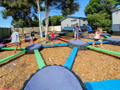 BIG4 Shepparton Park Lane Holiday Park - Tyre Maze - Kids Playing