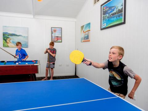 BIG4 Shepparton Park Lane Holiday Park - Games Room - Table Tennis Table