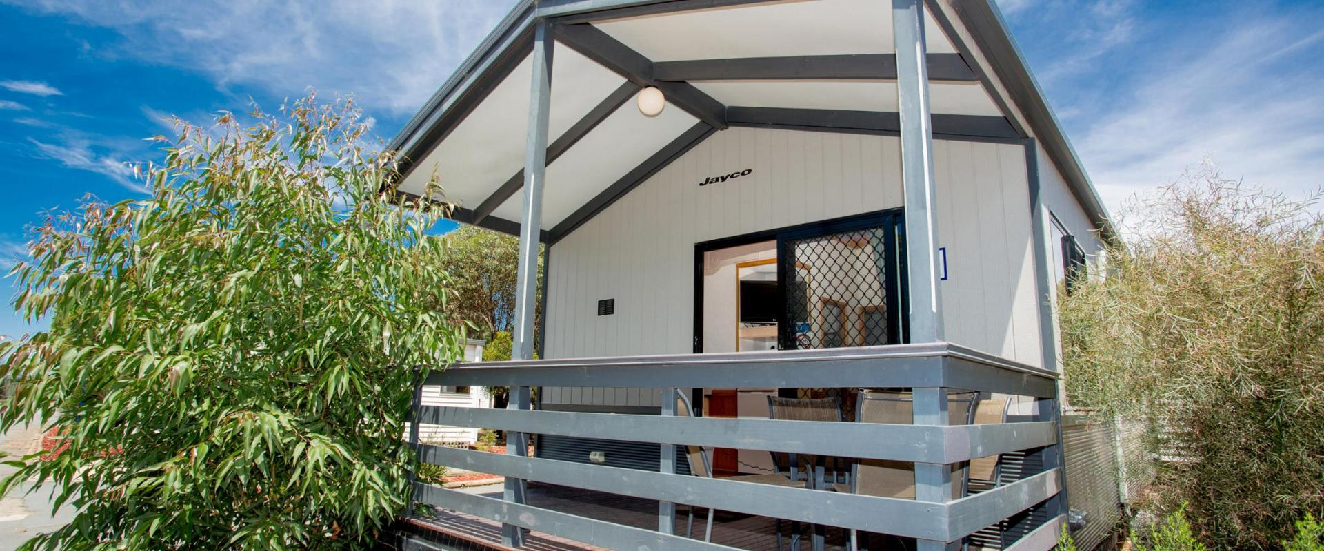 BIG4 Shepparton Park Lane Holiday Park - Family Cabin - Sleeps 6