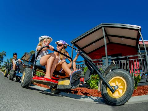 BIG4 Bendigo Park Lane Holiday Park - Kids riding pedal go kart
