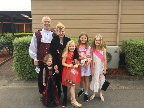 BIG4 Traralgon Park Lane Holiday Park - Halloween Event 2018 - Family Photo