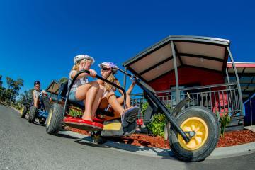 BIG4 Bendigo Park Lane Holiday Park - Kids riding pedal go kart