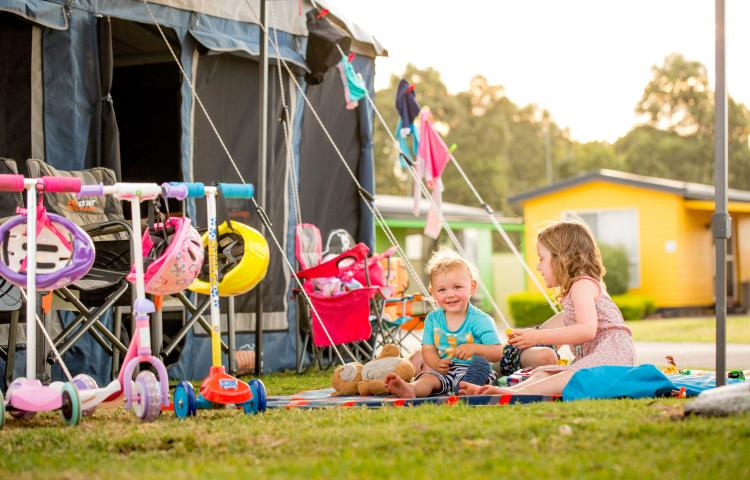 BIG4 Traralgon Park Lane Holiday Park - Kids Camping and playing at tent