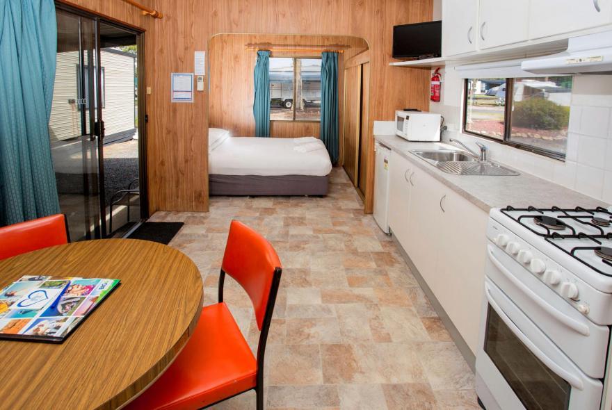 BIG4 Traralgon Park Lane Holiday Park - Budget Accommodation - Sleeps 4 - Living and Kitchen