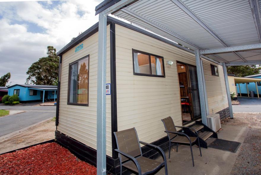 BIG4 Traralgon Park Lane Holiday Park - Budget Accommodation - Sleeps 4 - Front