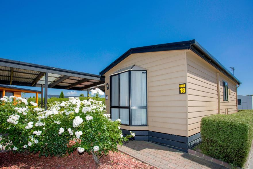BIG4 Traralgon Park Lane Holiday Park - Easy Access - Front