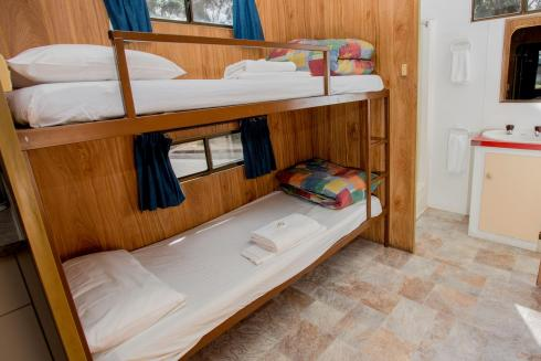 BIG4 Traralgon Park Lane Holiday Park - Budget Accommodation - Sleeps 4 - Bunk Beds