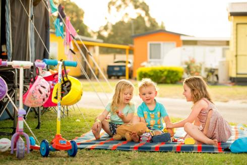 BIG4 Traralgon Park Lane Holiday Park - Powered Site - Kids Playing at tent