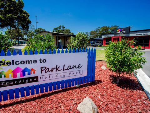 BIG4 Traralgon Park Lane Holiday Park - Welcome Sign