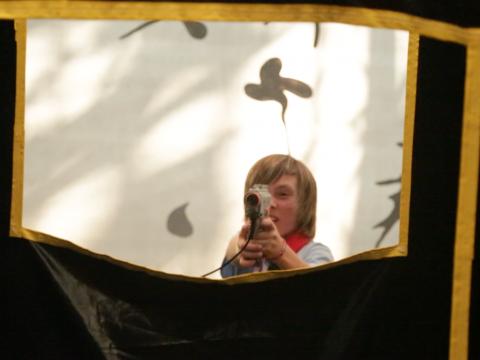 BIG4 Traralgon Park Lane Holiday Park - Laser Tag - Action shot through window