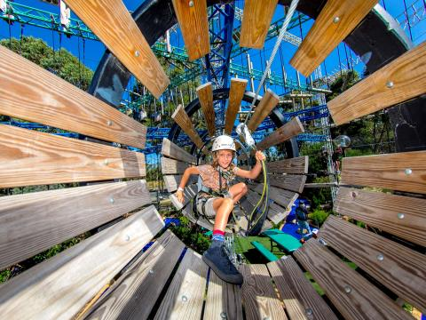 BIG4 Traralgon Park Lane Holiday Park - Adventure Ropes Course - Tunnel