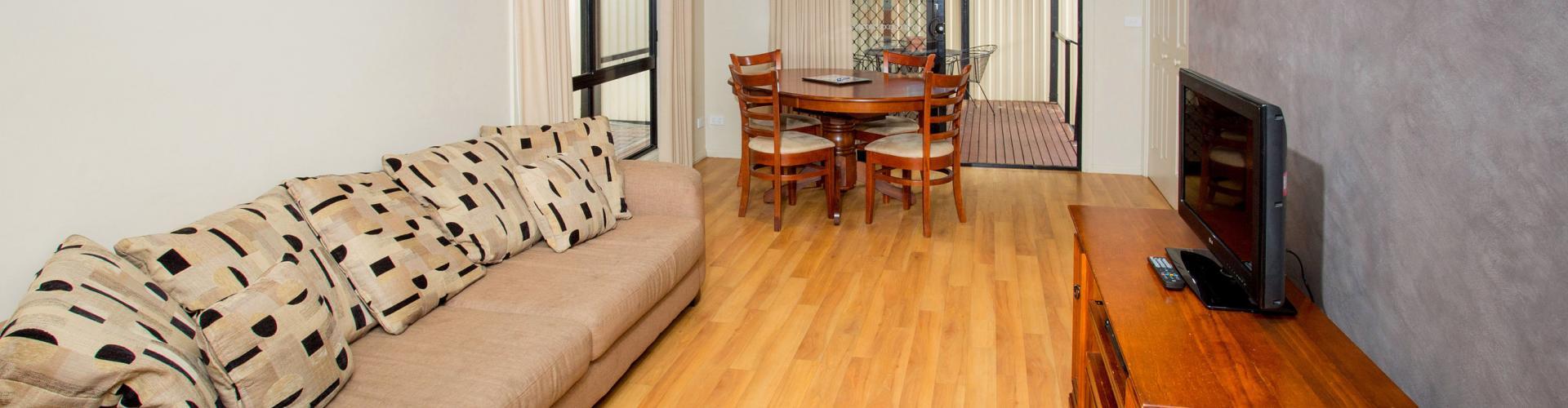 BIG4 Traralgon Park Lane Holiday Park - Family Cabin - Sleeps 4 - Living Area