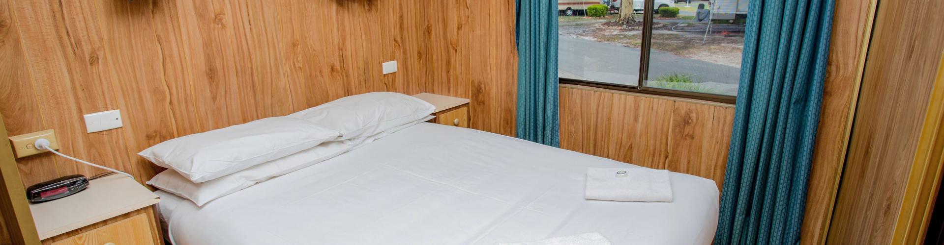 BIG4 Traralgon Park Lane Holiday Park - Budget Accommodation - Sleeps 4 - Bedroom