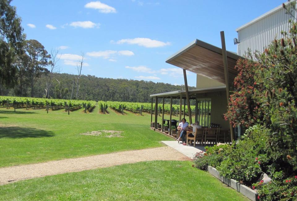 BIG4 Traralgon Park Lane Holiday Park - Narkoojee Winery - Entrance