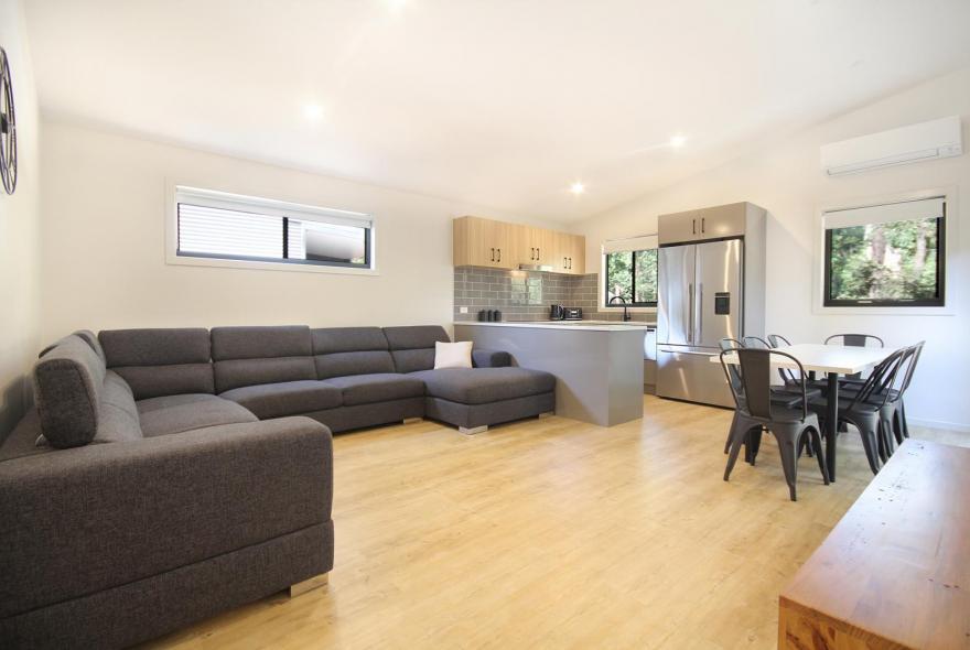 BIG4 Yarra Valley Park Lane Holiday Park - 3 Bedroom Condo - Kitchen, Dining, Living