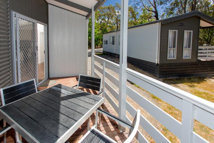 BIG4 Yarra Valley Park Lane Holiday Park - Hilltop Cabin - 2 Bedroom - Veranda
