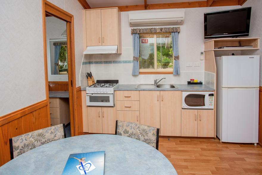 BIG4 Yarra Valley Park Lane Holiday Park - Parkside Cabin - 2 Bedroom - Kitchen