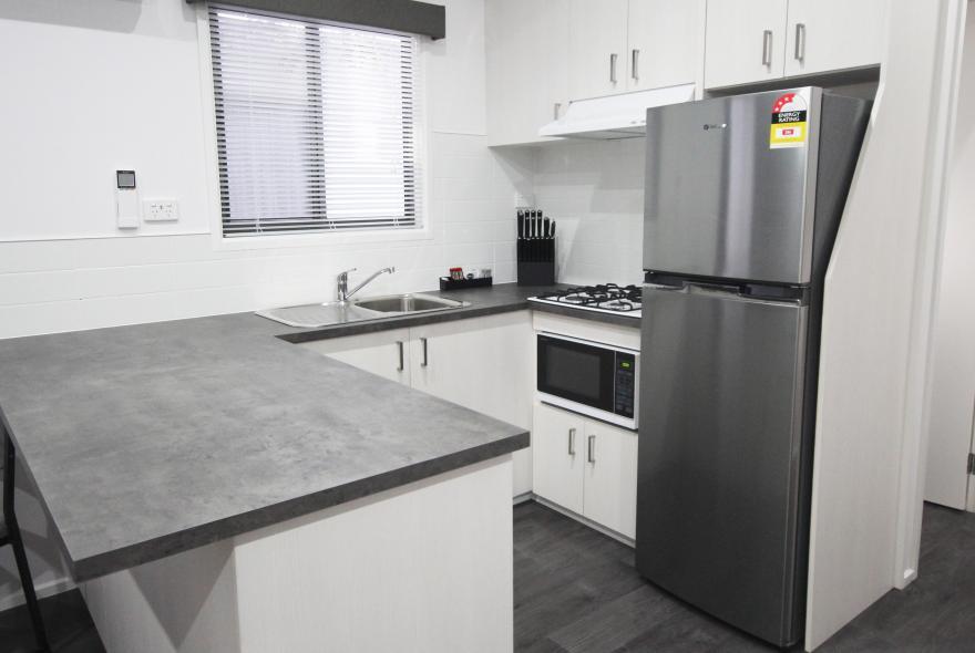 BIG4 Yarra Valley Park Lane Holiday Park - Family Cabin - 2 Bedroom - Kitchen