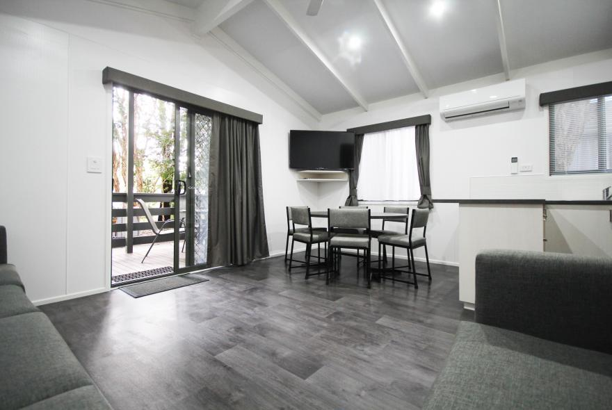 BIG4 Yarra Valley Park Lane Holiday Park - Family Cabin - 2 Bedroom - Living and Dining