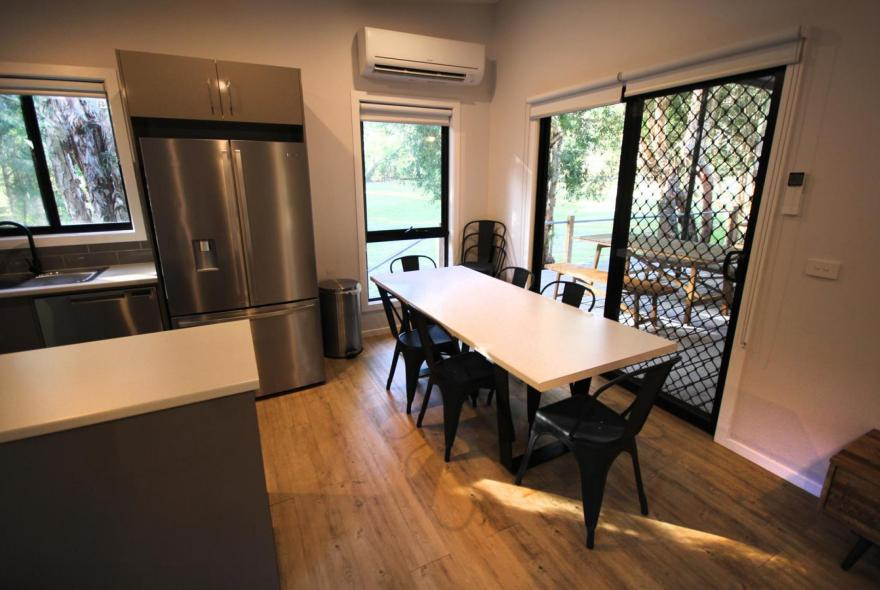 BIG4 Yarra Valley Park Lane Holiday Park - 3 Bedroom Condo - Dining