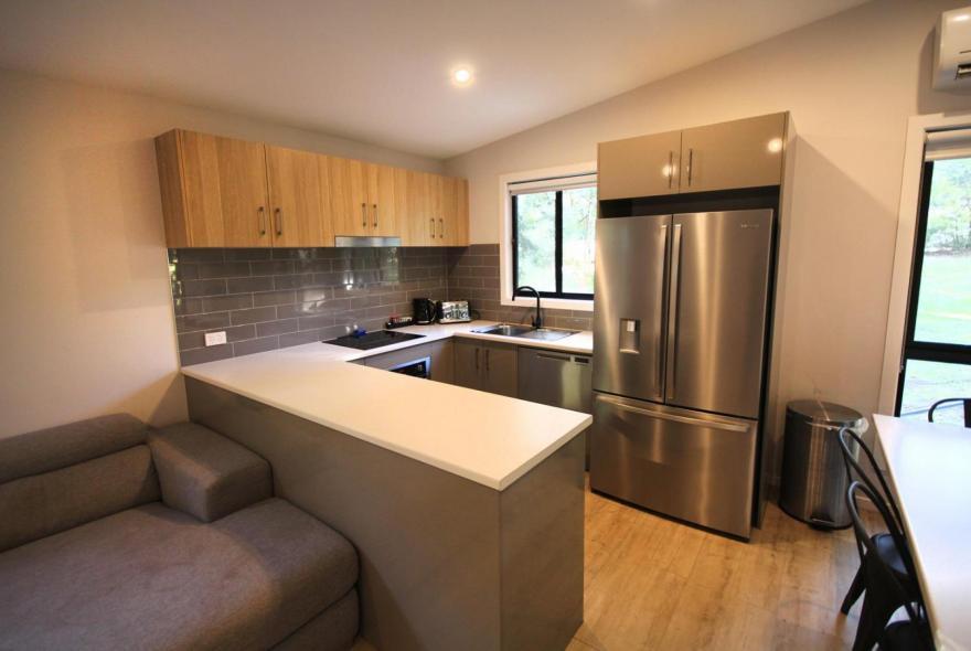 BIG4 Yarra Valley Park Lane Holiday Park - 3 Bedroom Condo - Kitchen