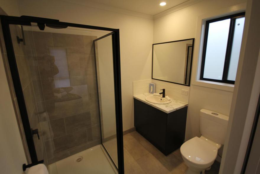 BIG4 Yarra Valley Park Lane Holiday Park - Studio Cabin - Bathroom