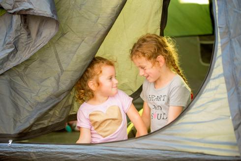 BIG4 Yarra Valley Park Lane Holiday Park - Unpowered Sites - Sisters talking to each other
