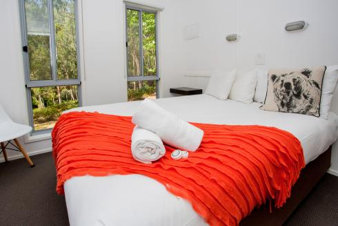 BIG4 Yarra Valley Park Lane Holiday Park - Hilltop Cabin - 2 Bedroom - Bedroom 1