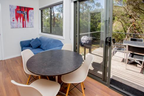 BIG4 Yarra Valley Park Lane Holiday Park - Hilltop Cabin - 1 Bedroom - Dining