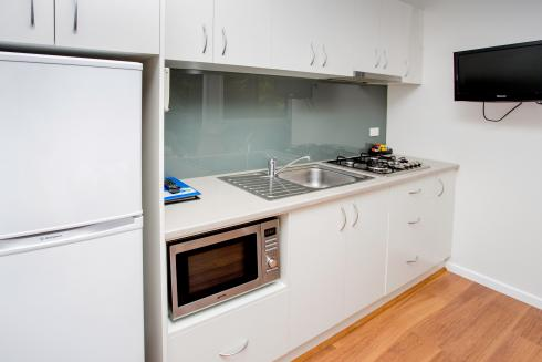 BIG4 Yarra Valley Park Lane Holiday Park - Hilltop Cabin - 1 Bedroom - Kitchen
