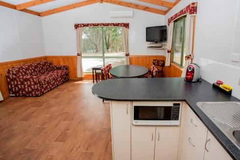 BIG4 Yarra Valley Park Lane Holiday Park - 3 Bedroom Hilltop Cabin - Kitchen and Living