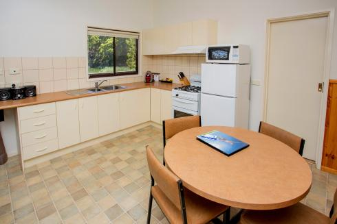 BIG4 Yarra Valley Park Lane Holiday Park - Lakeview Cabin - 2 Bedroom - Kitchen and Dining