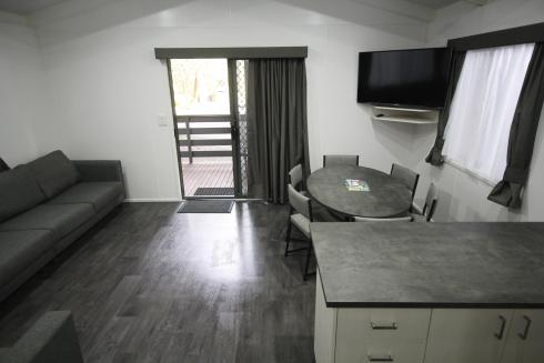 BIG4 Yarra Valley Park Lane Holiday Park - Family Cabin - 2 Bedroom - Kitchen and Dining