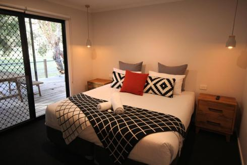 BIG4 Yarra Valley Park Lane Holiday Park - 3 Bedroom Condo - Main Bedroom