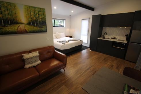 BIG4 Yarra Valley Park Lane Holiday Park - Studio Cabin - Living area