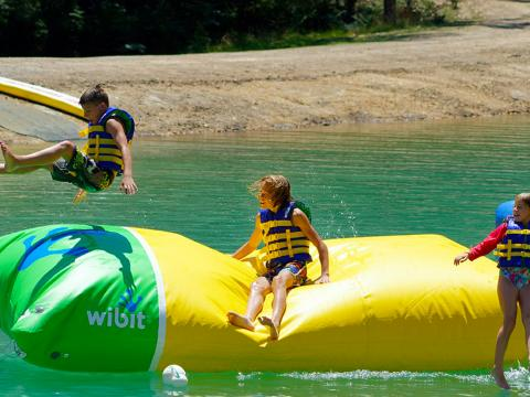 BIG4 Yarra Valley Park Lane Holiday Park - Parkys Water Park - The Launch Pad