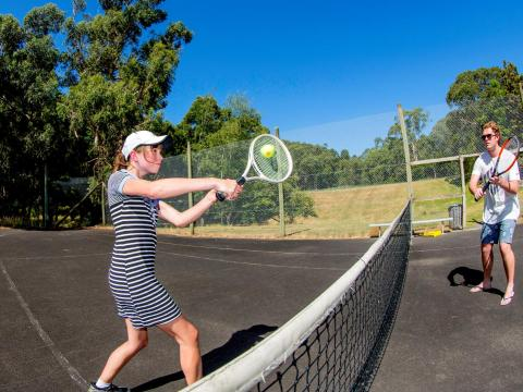 BIG4 Yarra Valley Park Lane Holiday Park - Tennis Courts - Action Shot