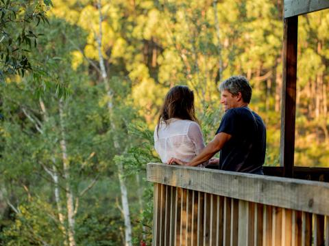 BIG4 Yarra Valley Park Lane Holiday Park - Couple on Balcony