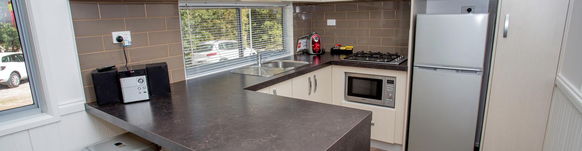 BIG4 Yarra Valley Park Lane Holiday Park - Hilltop Cabin - 2 Bedroom - Kitchen