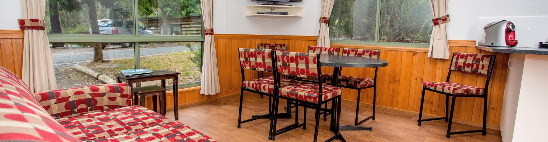 BIG4 Yarra Valley Park Lane Holiday Park - 3 Bedroom Family Cabin - Living